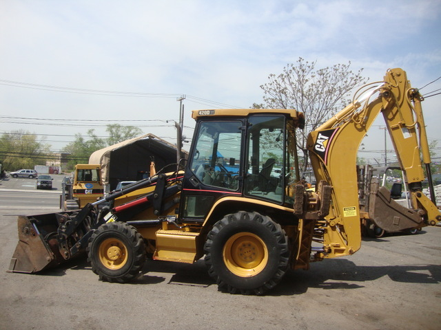 CATERPILLAR 420D 4WD Image